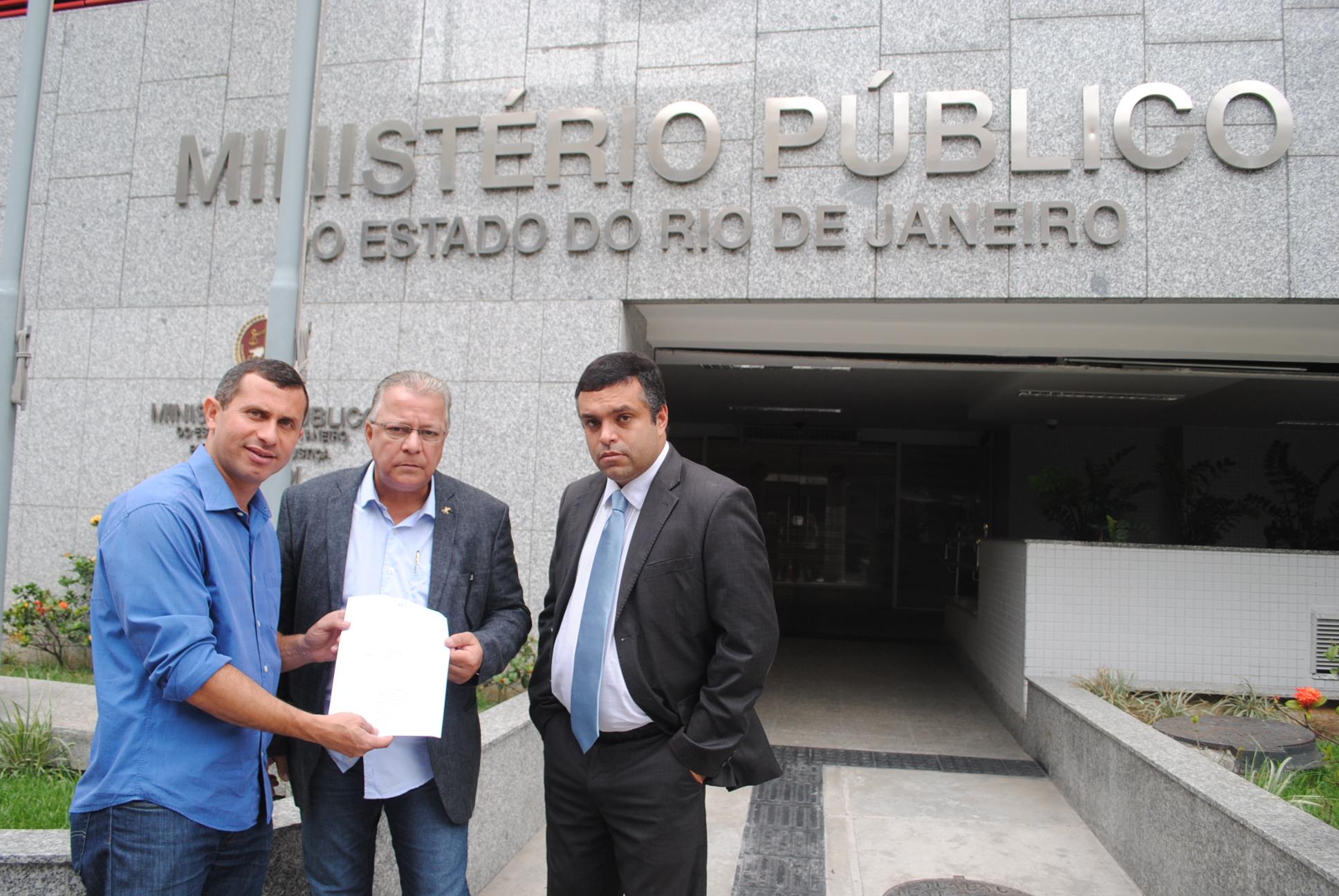 Felipe Peixoto protocola notícia-crime contra Rodrigo Neves