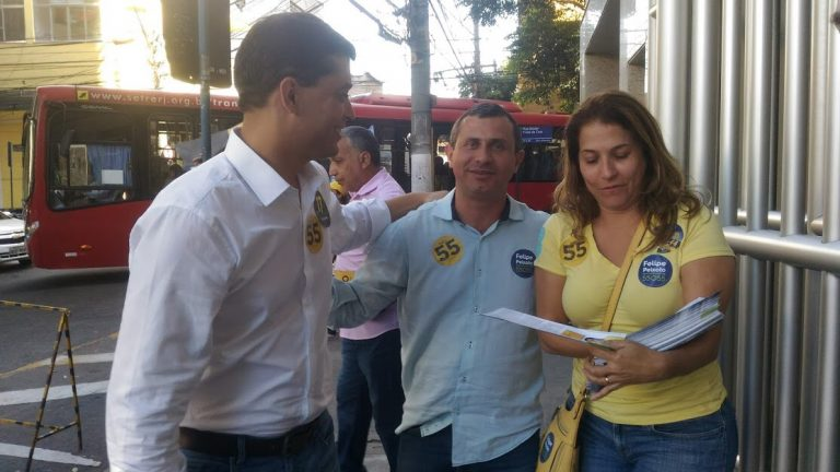 Felipe Peixoto faz agenda com Indio