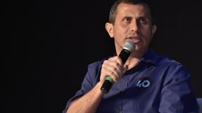 Debate com candidatos a prefeito lota Teatro Abel