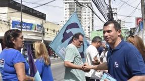 Felipe segue com caminhadas pelas ruas da cidade